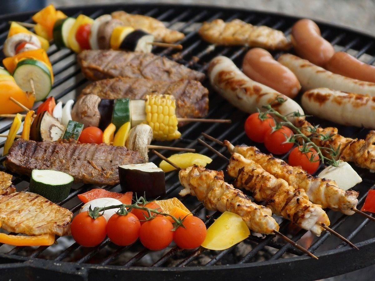 4 zasady zdrowszego grillowania. Zastosujcie je w majówkę