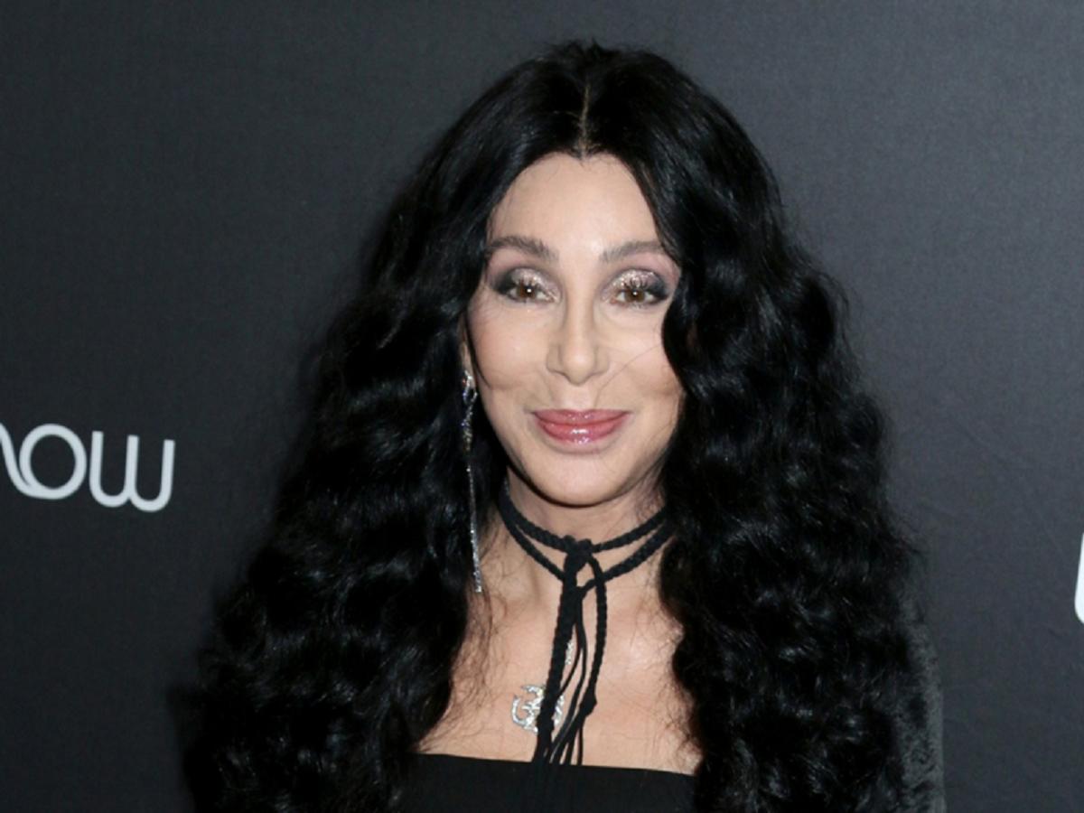 74 letnia Cher zachwyca figurą w dojrzałym wieku. Od lat nie je tych 3 produktów