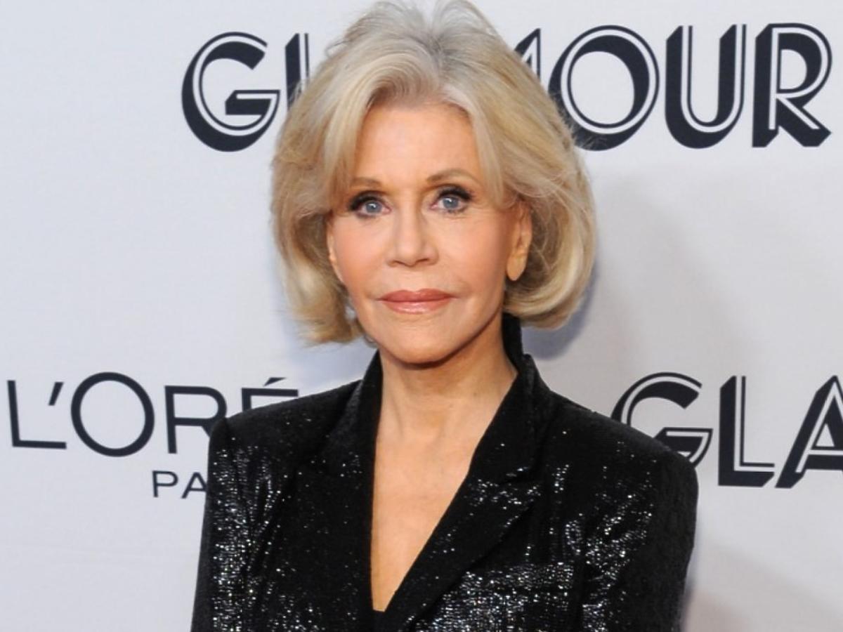 83-letnia Jane Fonda zachwyca świetną formą. Jak ona to robi? Gwiazda drastycznie ograniczyła 1 produkt
