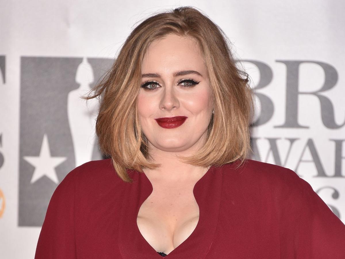 Adele już tak nie wygląda. Schudła 45 kg, na nowych zdjęciach jest nie do poznania!