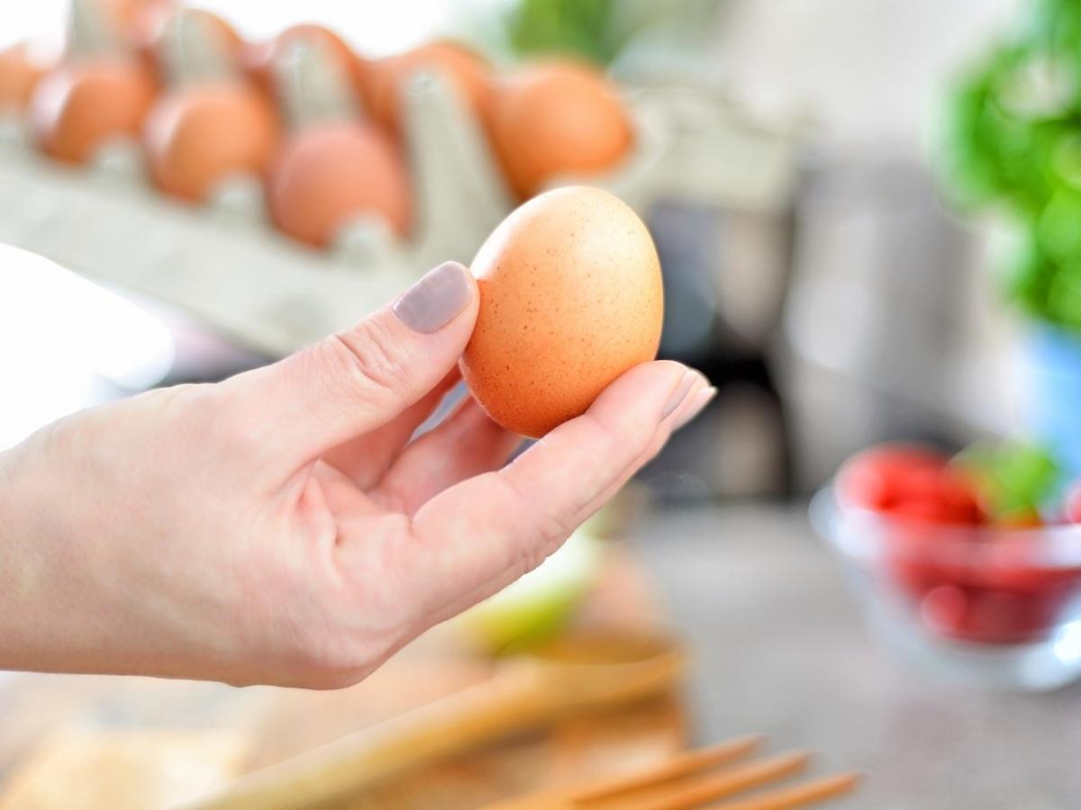 Chlupotanie jajka oznacza że jest nieświeże