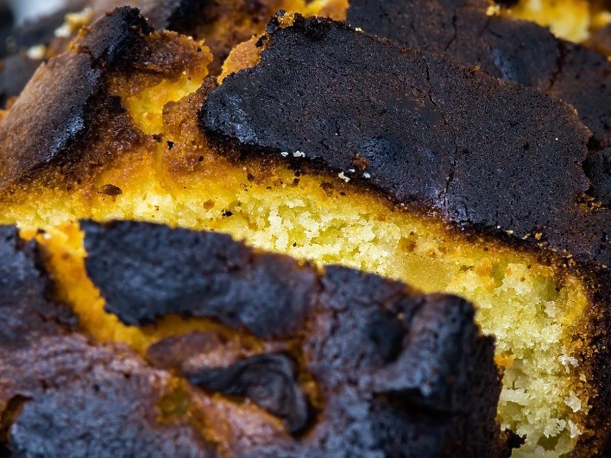 ciasto ciemnieje