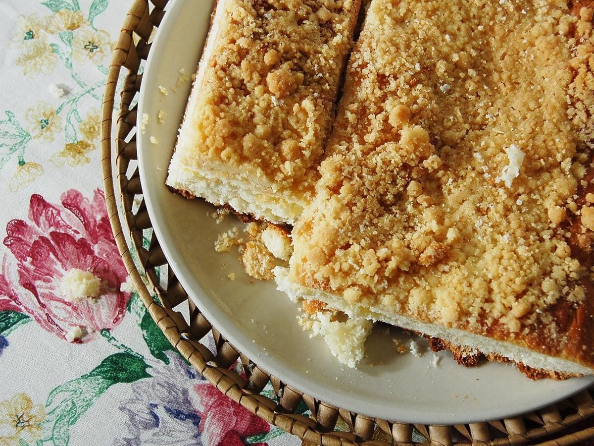 Ciasto drożdżowe wyszło kwaśne? Ten popularny błąd może być powodem