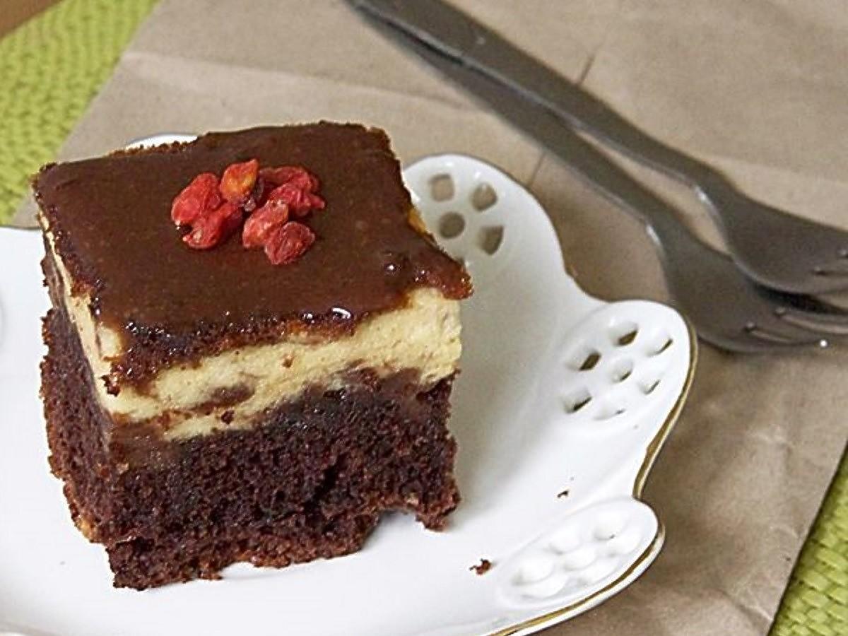 Ciasto Izaura czyli sernik na murzynku. Niezawodny przepis znany od lat