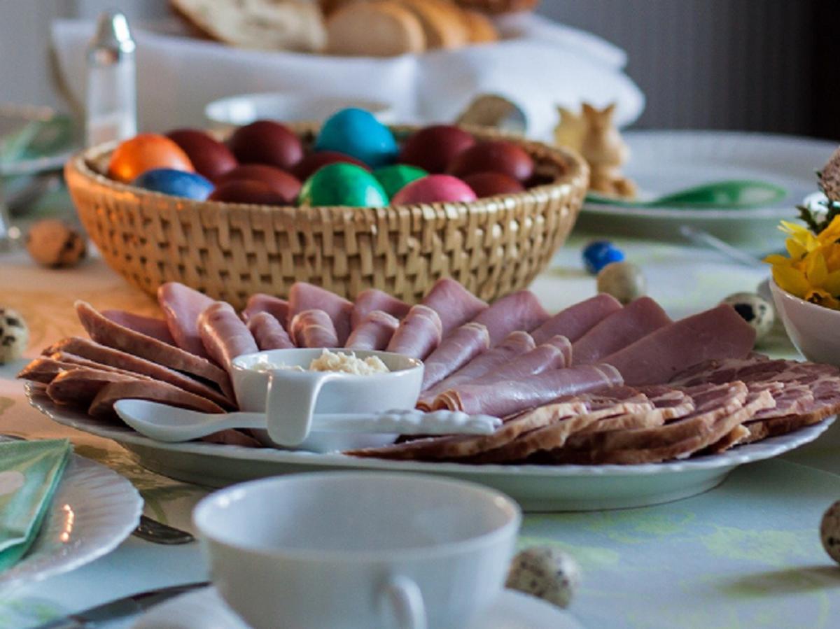 Czy będziemy mogli zjeść świąteczne śniadanie z rodziną? Prof. Horban rekomenduje zakaz przemieszczania