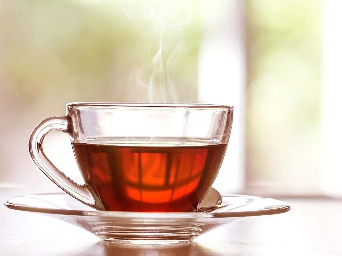 Czy czarna herbata jest zdrowa? Większość osób żyje w błędzie