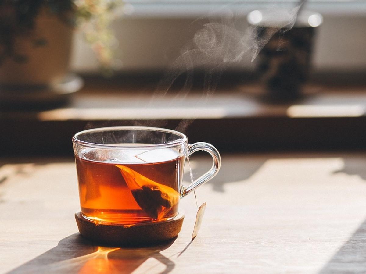 """Czy można """"przedawkować"""" herbatę? Uważajcie – taka ilość może być groźna!"""
