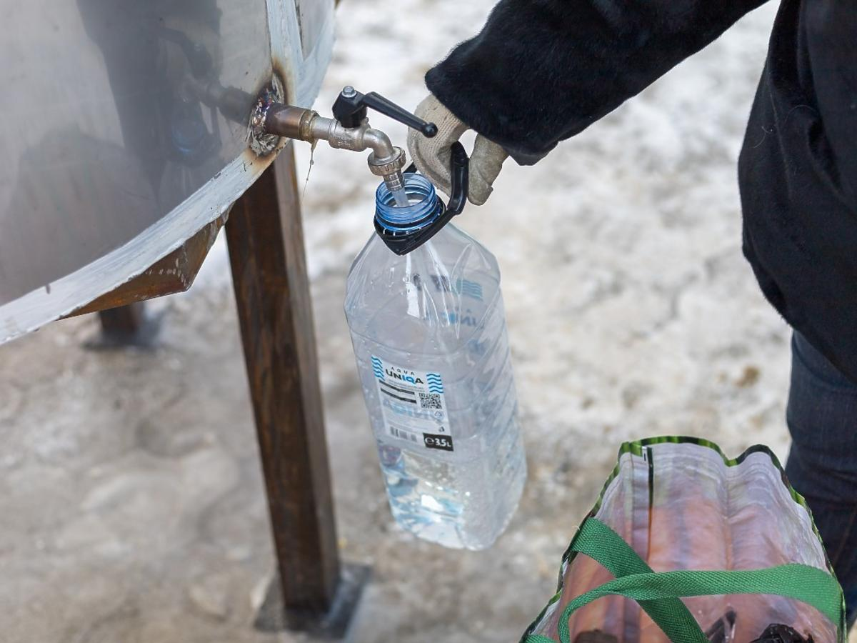 czy można wykorzystać butelkę plastikową po wodzie?