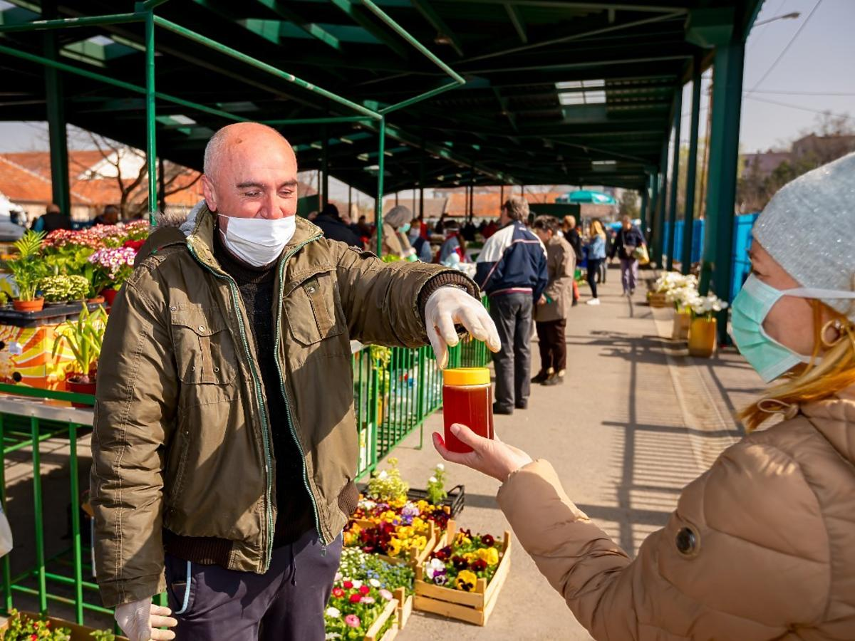 Godziny dla seniorów na bazarach i targowiskach