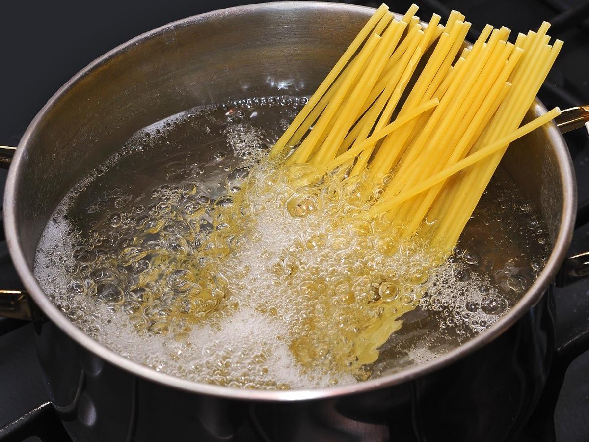 gotowanie makaronu