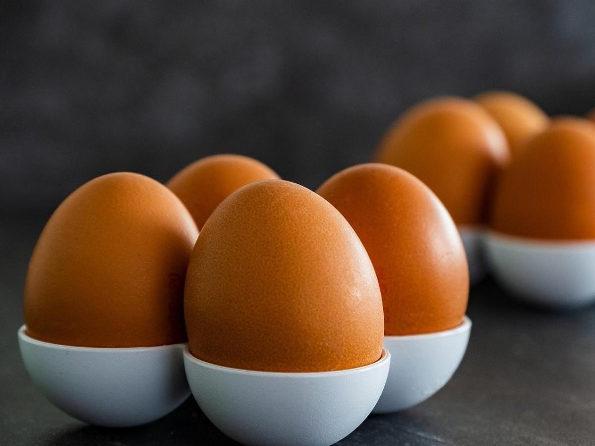 Jajka należy przechowywać zwężeniem do dołu