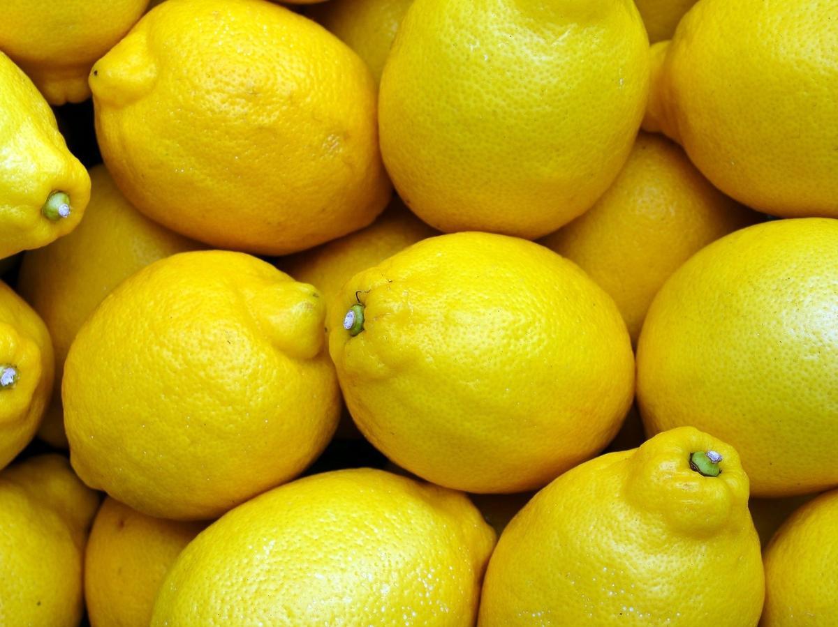 Jak kupić soczyste cytryny? Najważniejsza jest ich wielkość