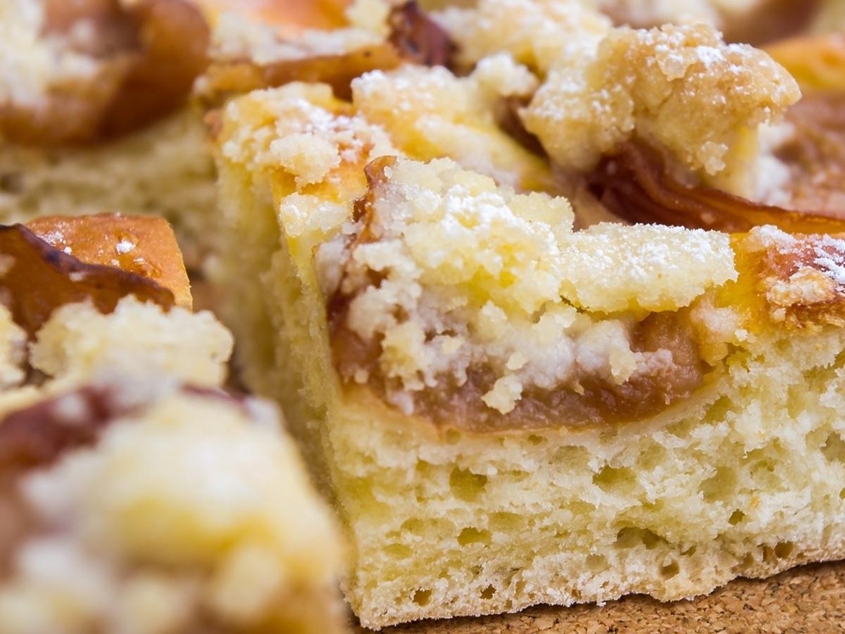 Jak odświeżyć ciasto drożdżowe