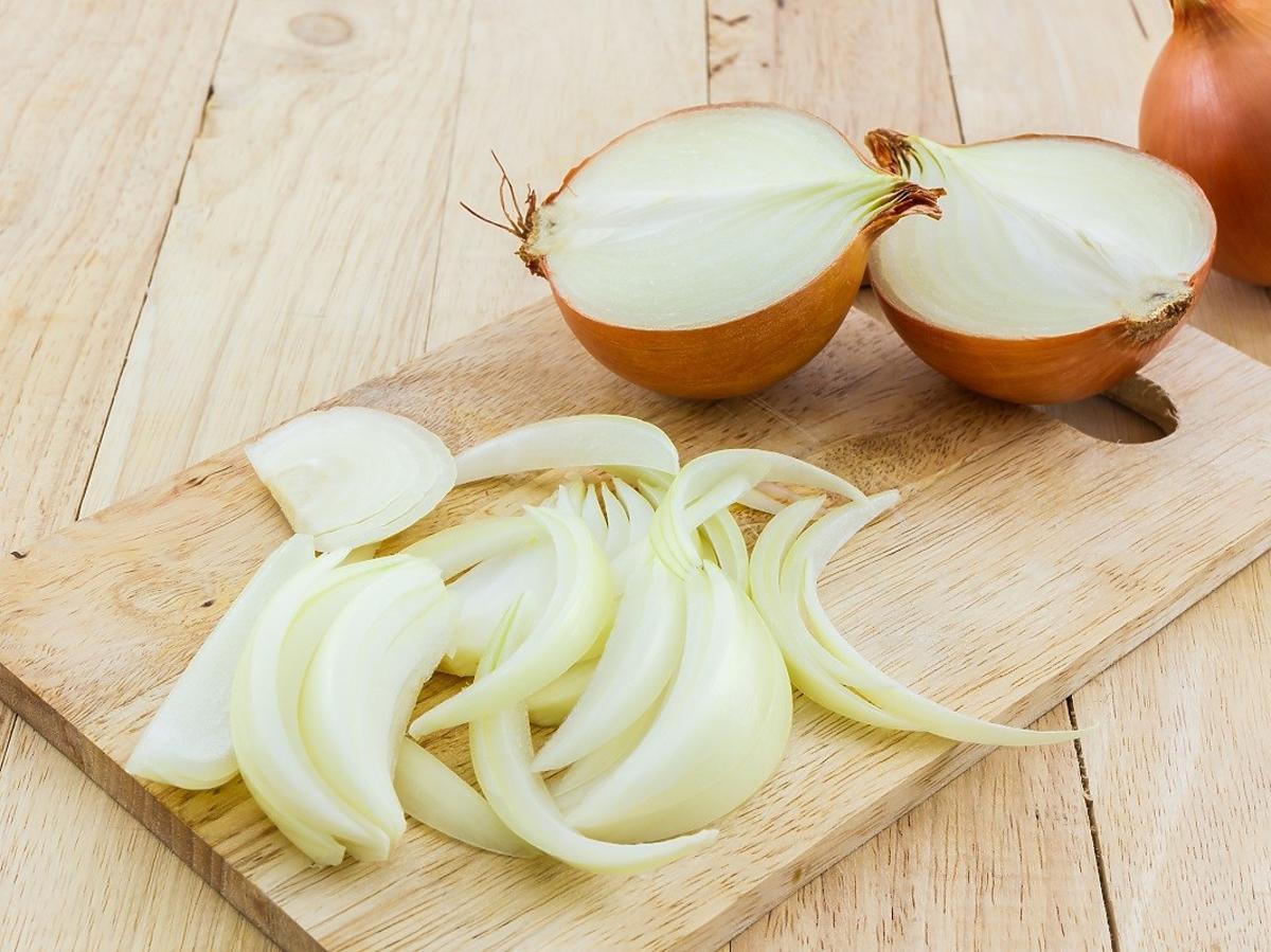 jak pokroić cebulę