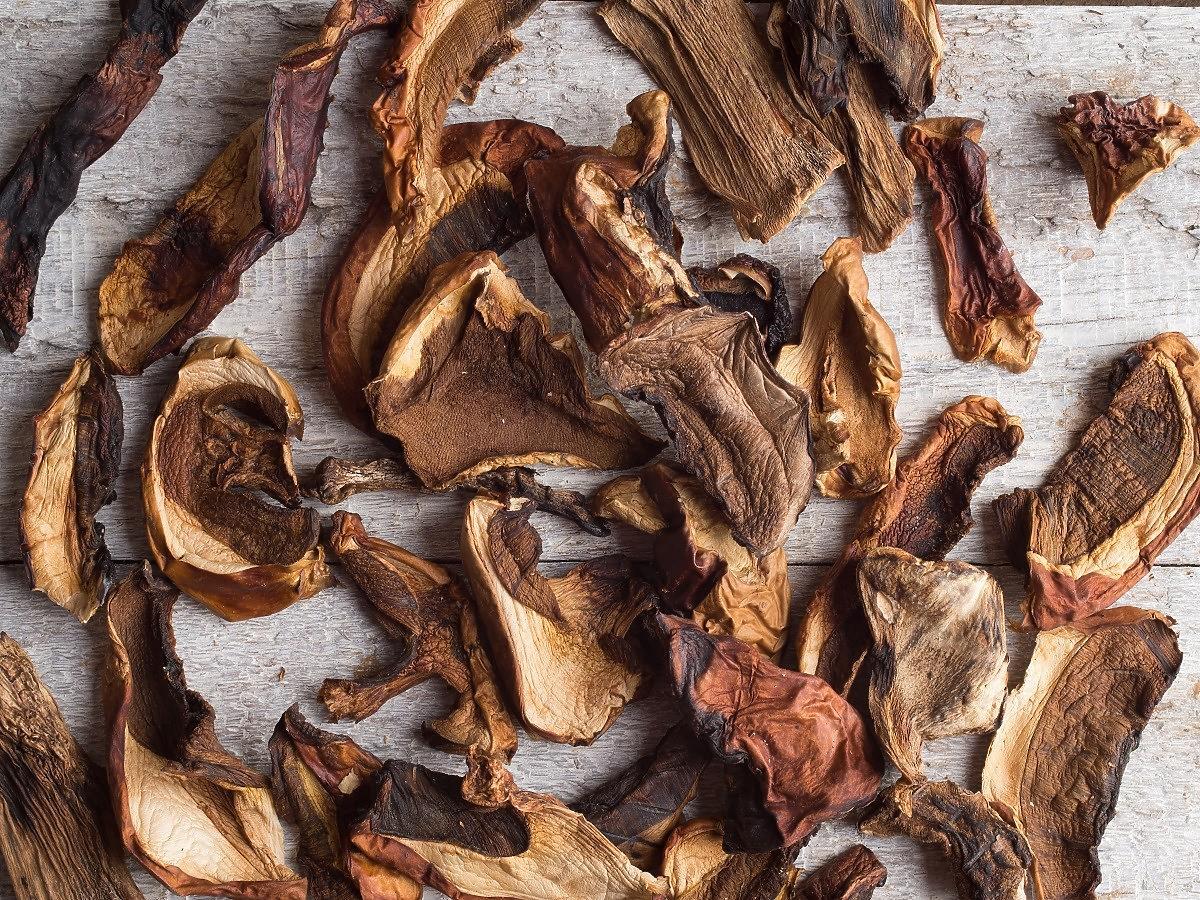 Jak suszyć grzyby? 1 błąd i szybko spleśnieją