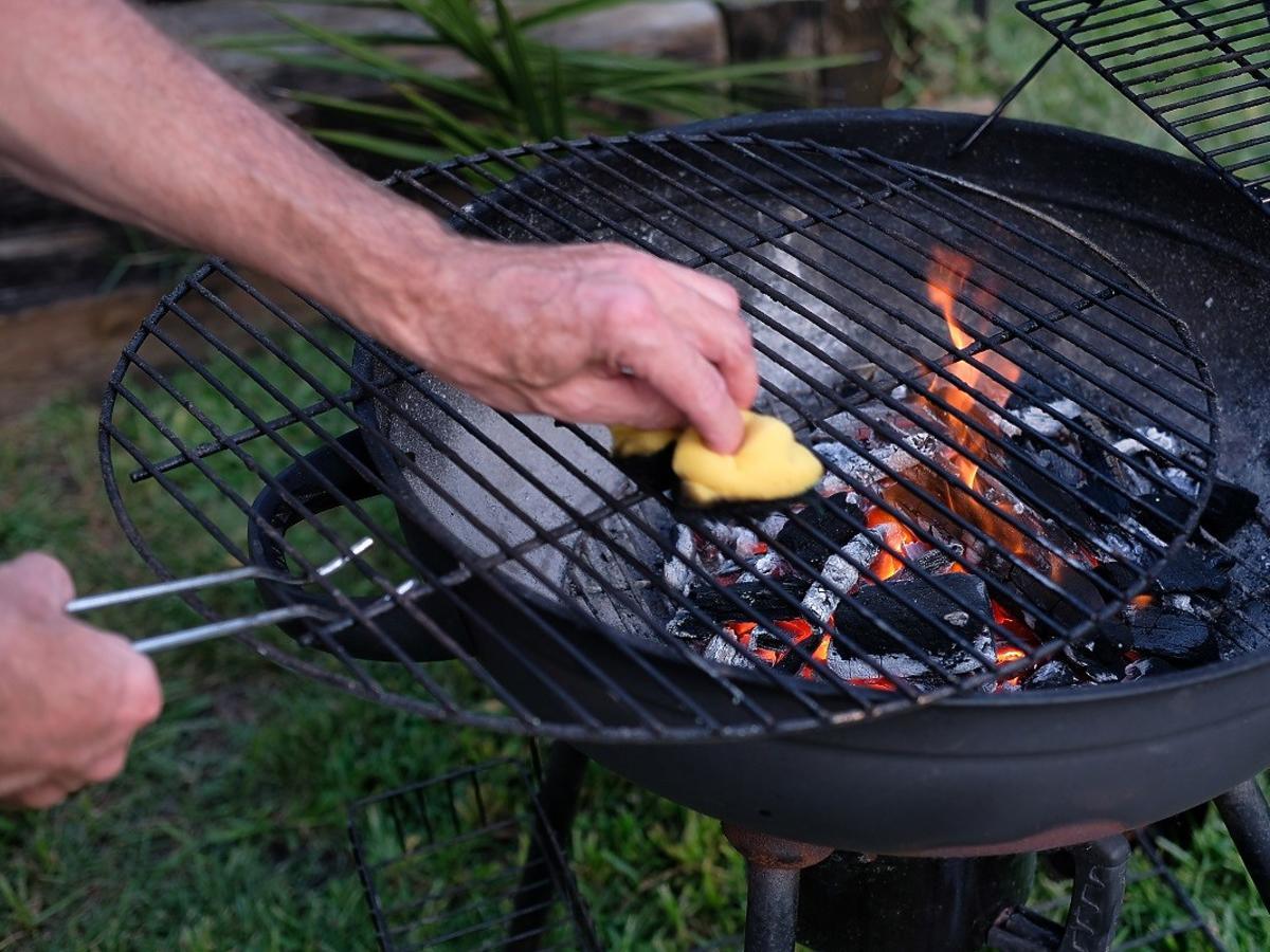 Jak wyczyścić grill? Szybkie triki dla każdego