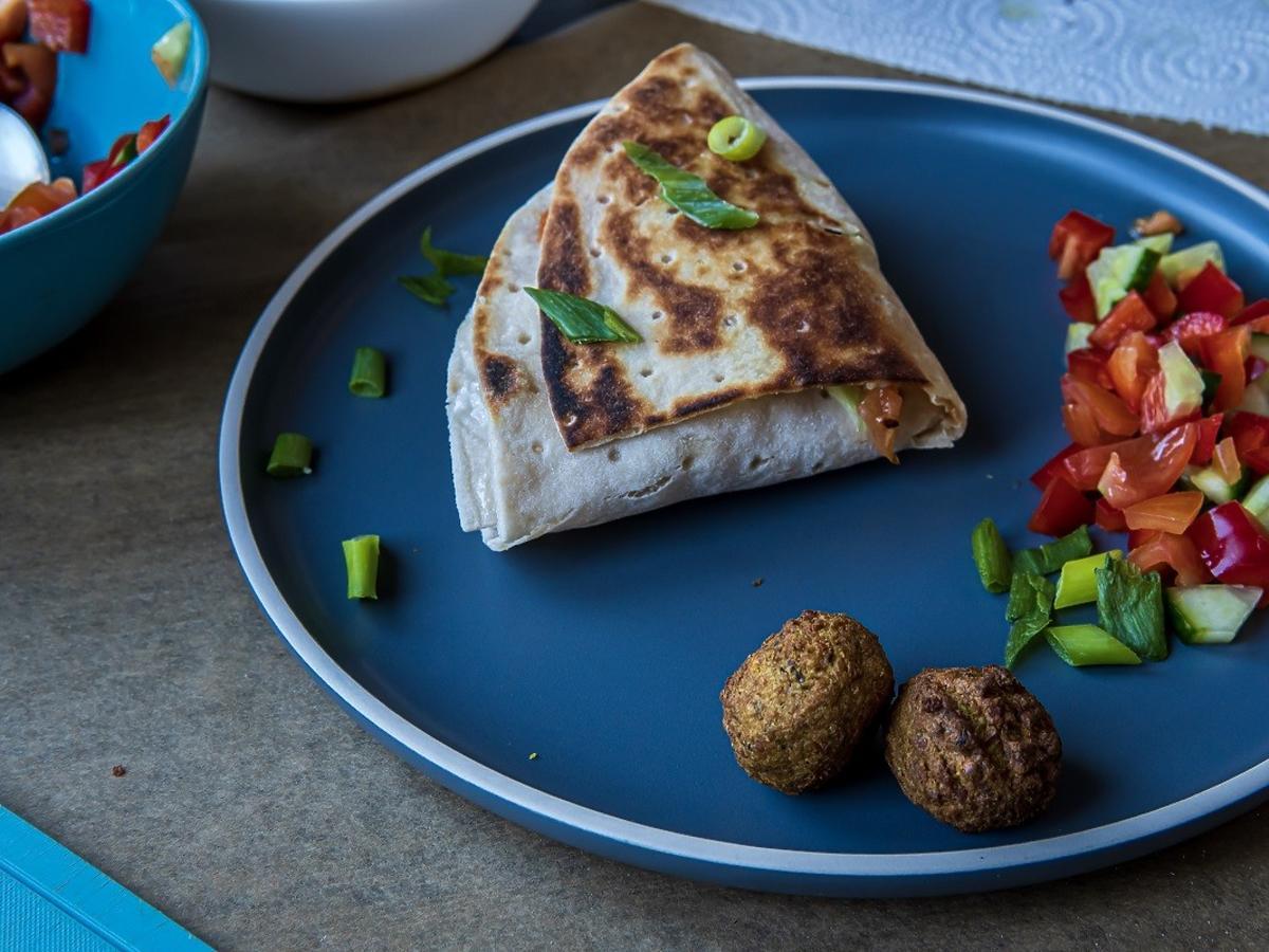 Jak zawijać tortillę? Genialny trik na złożenie tortilli, wprost z Instagrama. Łatwiejszego nie ma!