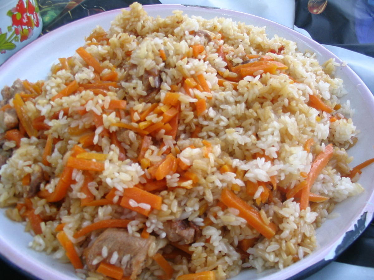 Jak zrobić idealny jednogarnkowy pilaw? Nie zapomnijcie odpowiednio przygotować ryżu