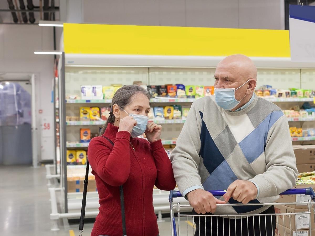 Jakie jest ryzyko zarażenia się koronawirusem z sklepie spożywczym? Możecie się zdziwić