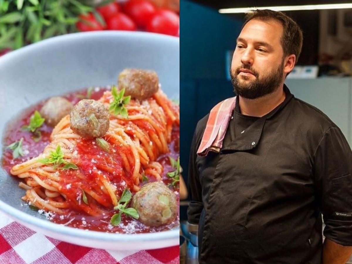 Jasiek Kuroń gotuje spagetti w sosie pomidorowym z pulpetami. Będziecie w szoku jaki składnik dodał do pulpetów.