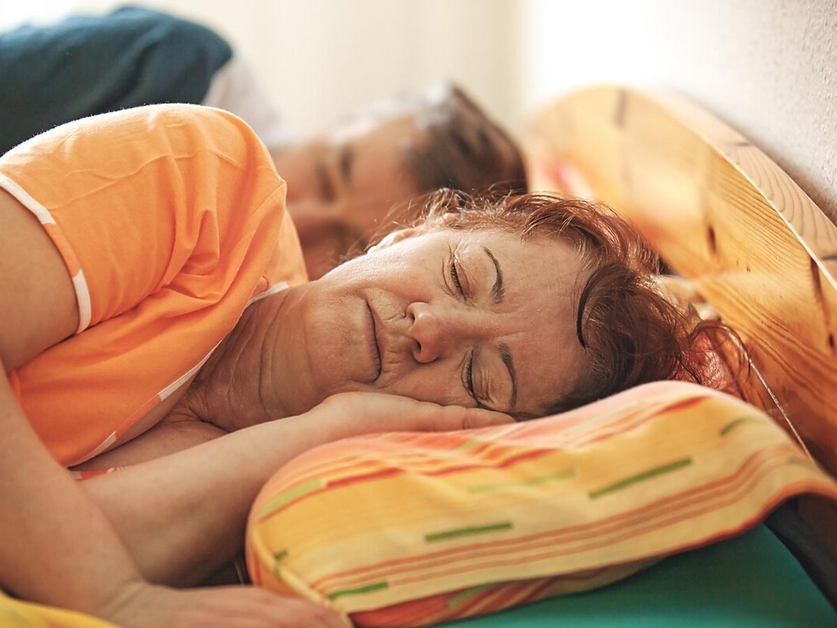 jedzenie kiwi pomaga na sen