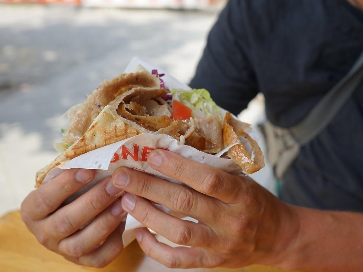 jedzenie na ulicy kebab