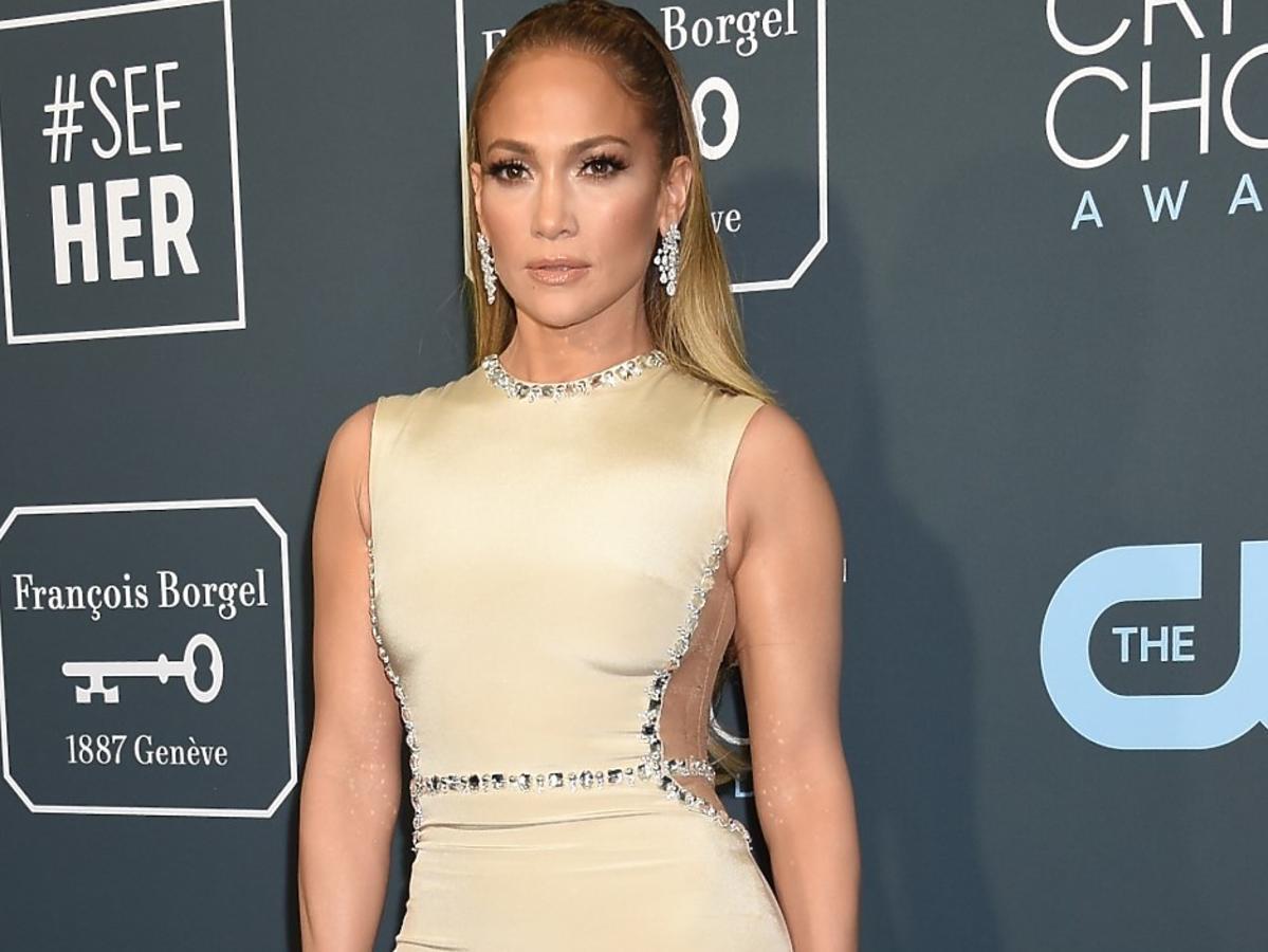 Jennifer Lopez ma 51 lat, a ciało dalej jak u nastolatki. Zdradziła, czego nigdy nie je