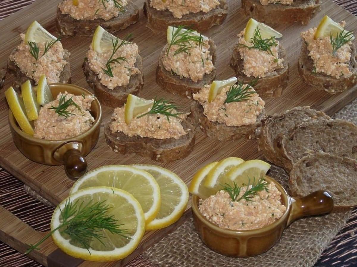 kanapki z łososiem