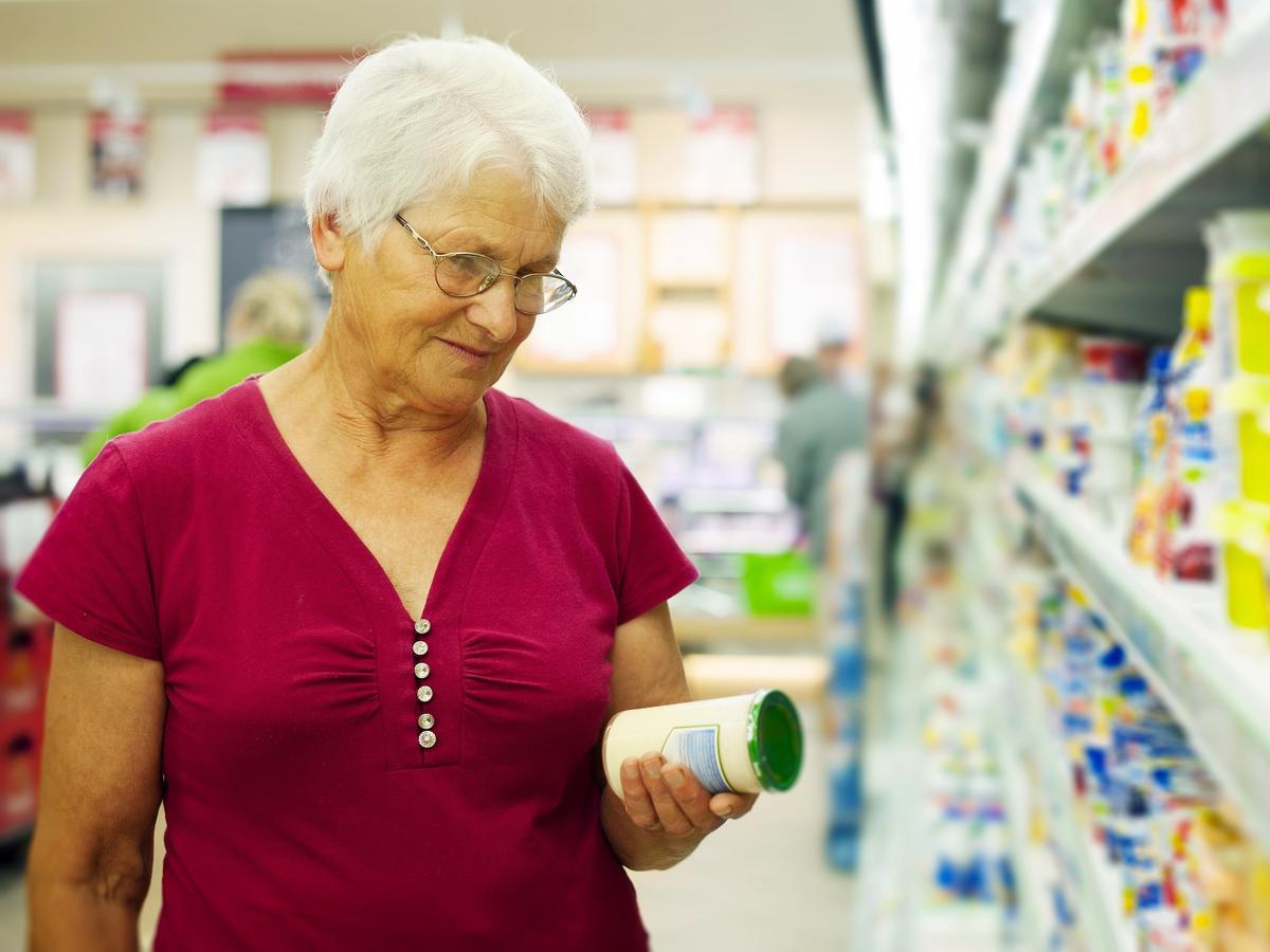 Kontrolerzy: ponad 5 ton żywności z groźnymi dla życia składnikami, fałszywe musztardy i majonezy