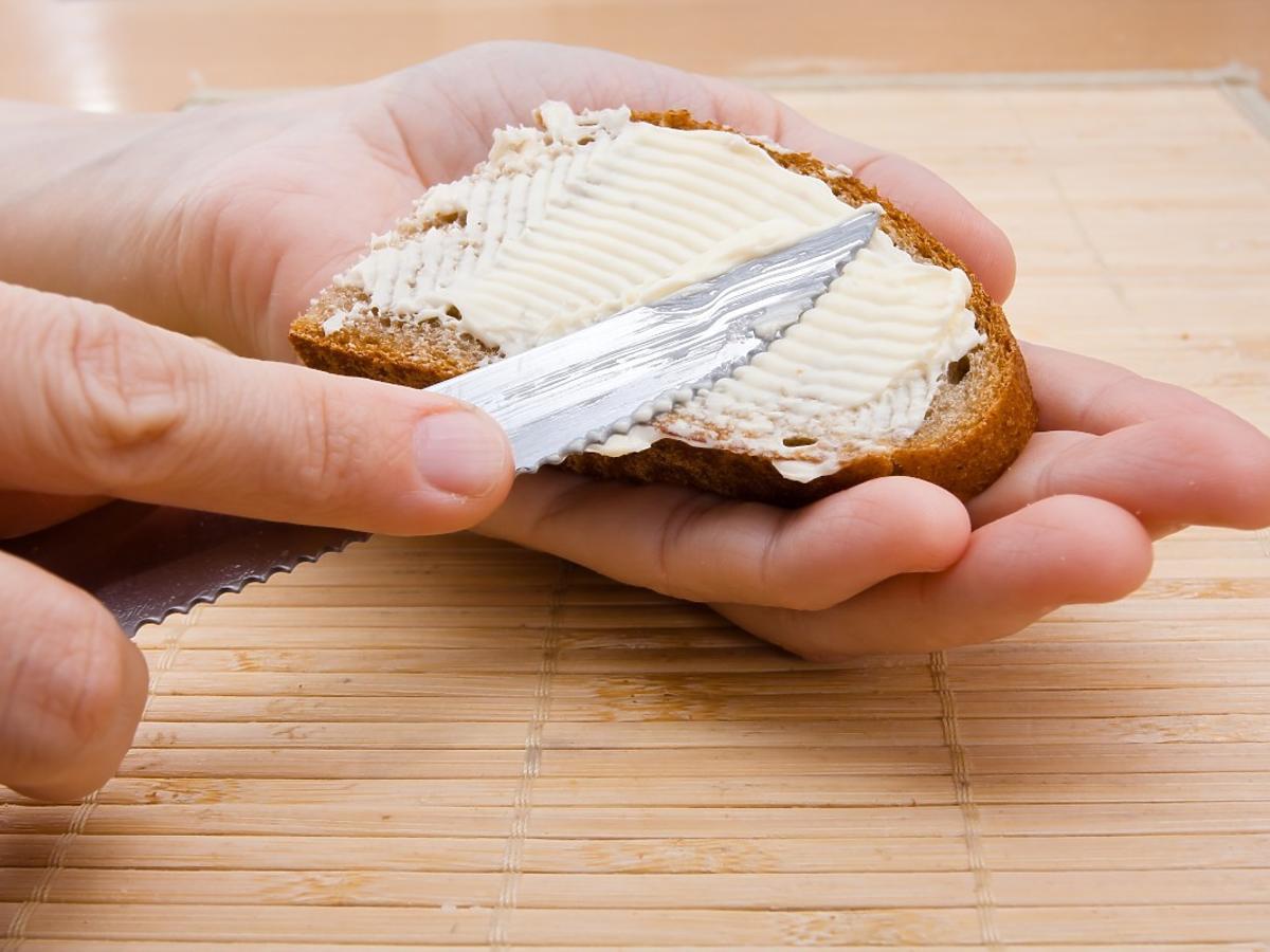 Margaryna czy masło? Właściwa odpowiedź na ten odwieczny spór zaskoczy wszystkich