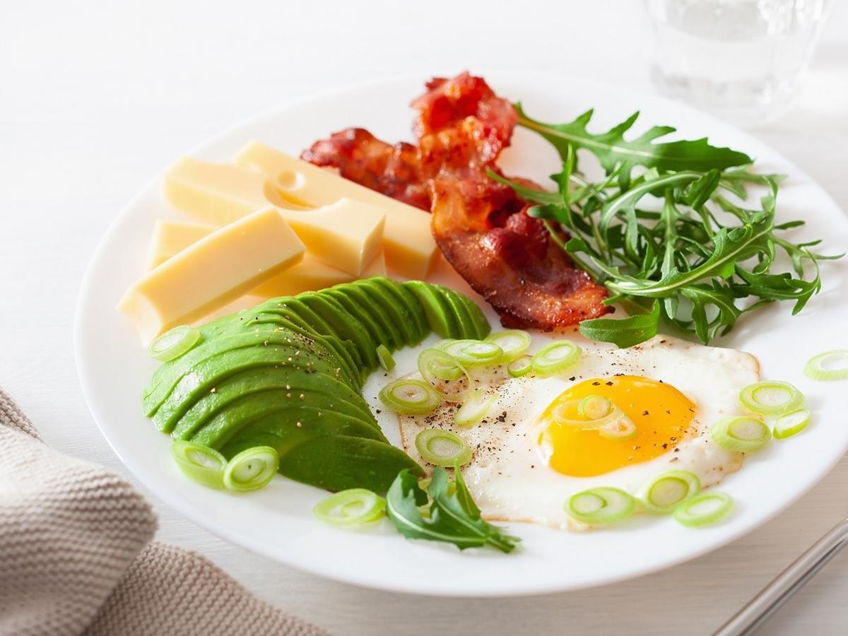 Na tej diecie można jeść dużo tłuszczu. Efekty powalają