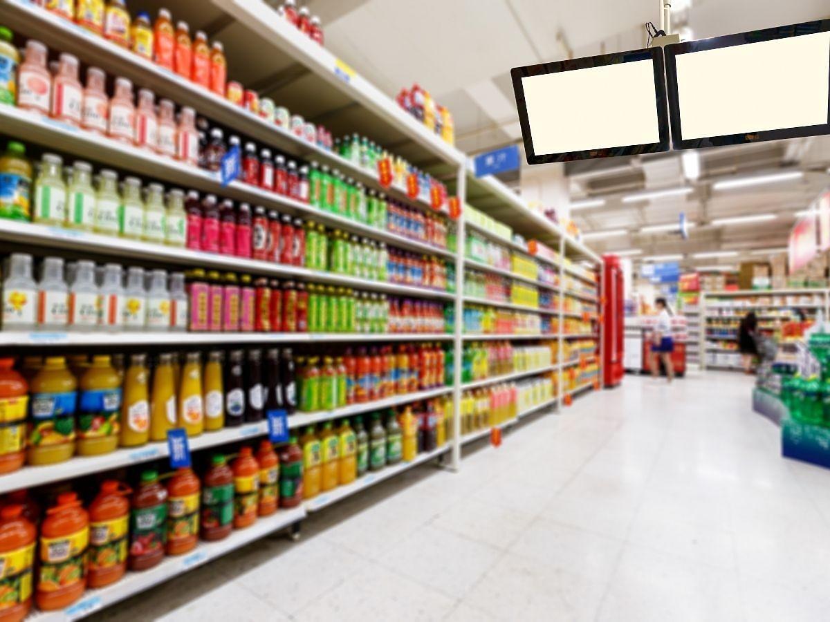 Od dziś nowe limity w sklepach. Ile osób na raz może zrobić zakupy spożywcze?