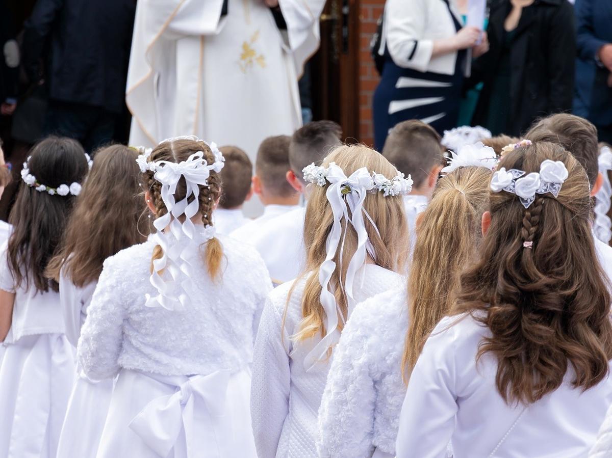 Od kiedy komunie i wesela? Polacy tęsknią za wspólnym biesiadowaniem przy stole
