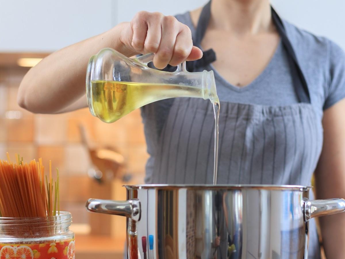 Olej makadamia: właściwości odżywcze i zastosowanie w kuchni