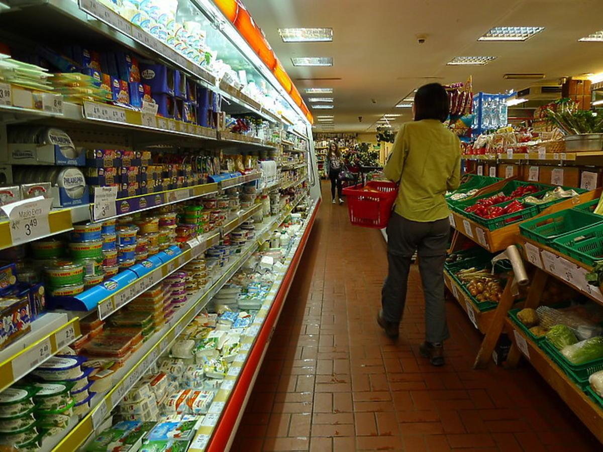 Orlen odbiera niedzielnych klientów lokalnym sklepikom? Handlarz składa zażalenie do prezydenta