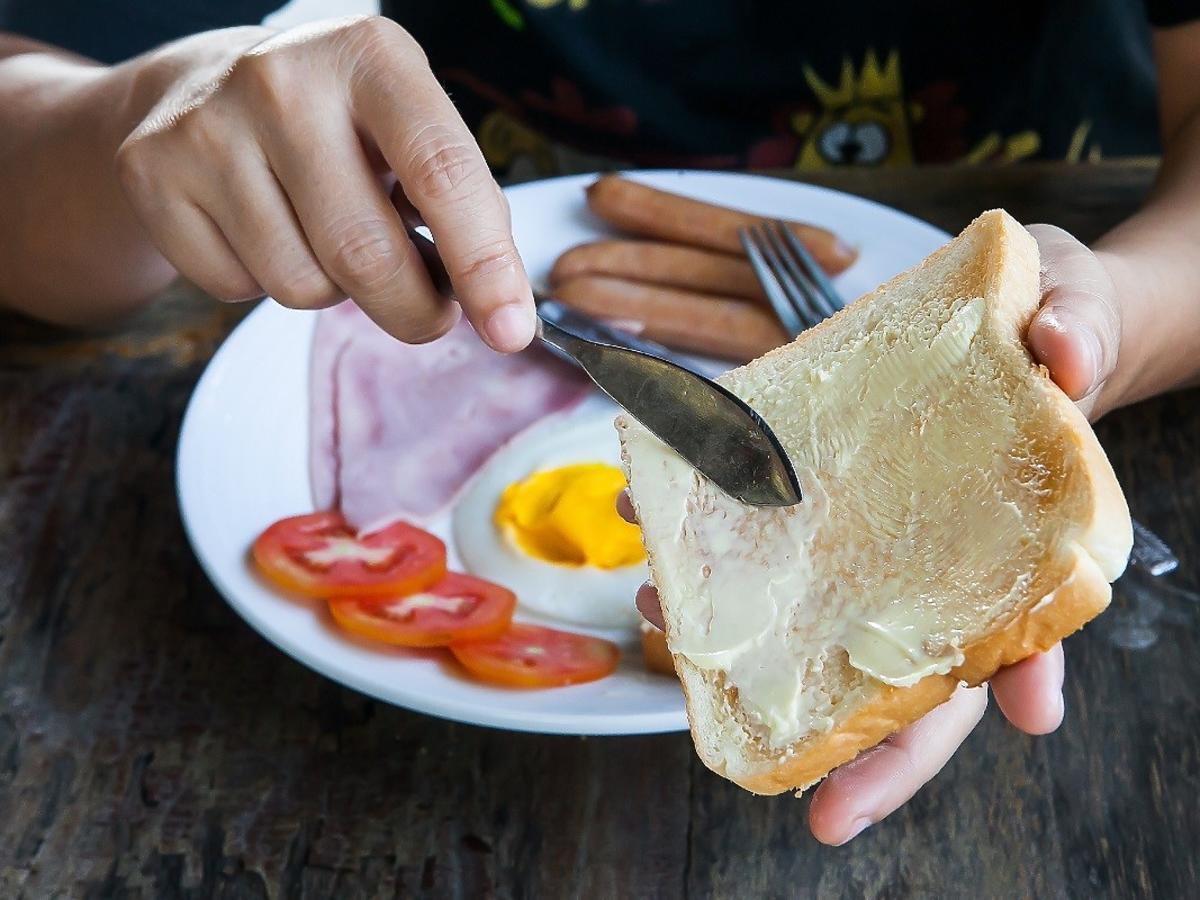 Oto najgorsza rzecz, którą spożywacie na śniadanie. Na własne życzenie skracacie sobie życie