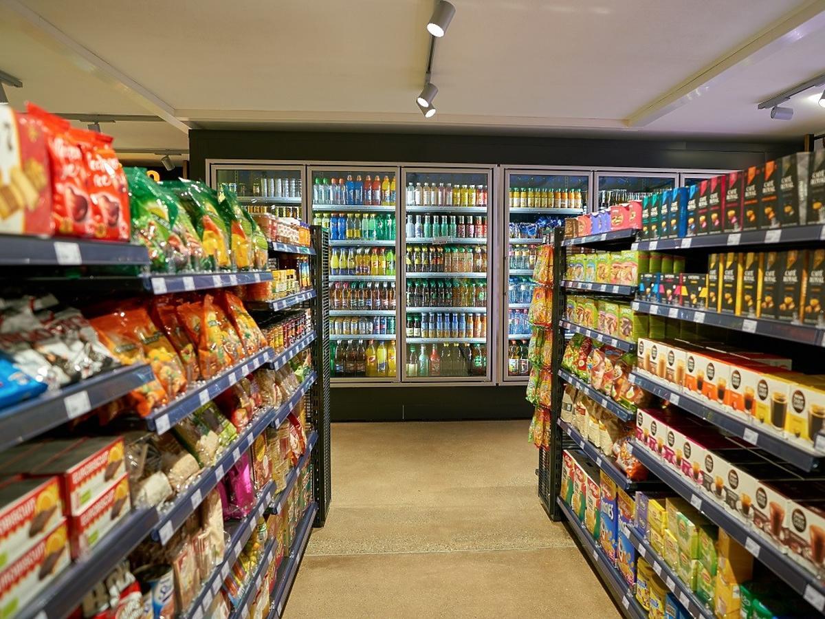 Pracownicy sklepów spożywczych martwią się o swoją pracę. Otwarto pierwszy sklep bezobsługowy