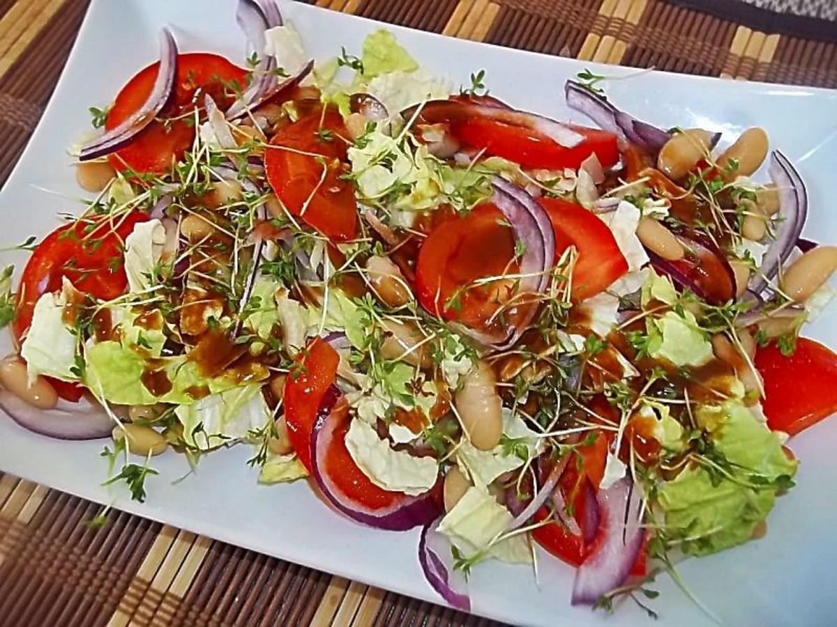 Prosta wiosenna sałatka ze zdrową rzeżuchą