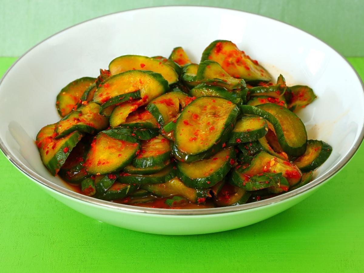 Prosty i nieskomplikowany przepis na kiszone ogórki po koreańsku à la kimchi. A za to ile smaku!