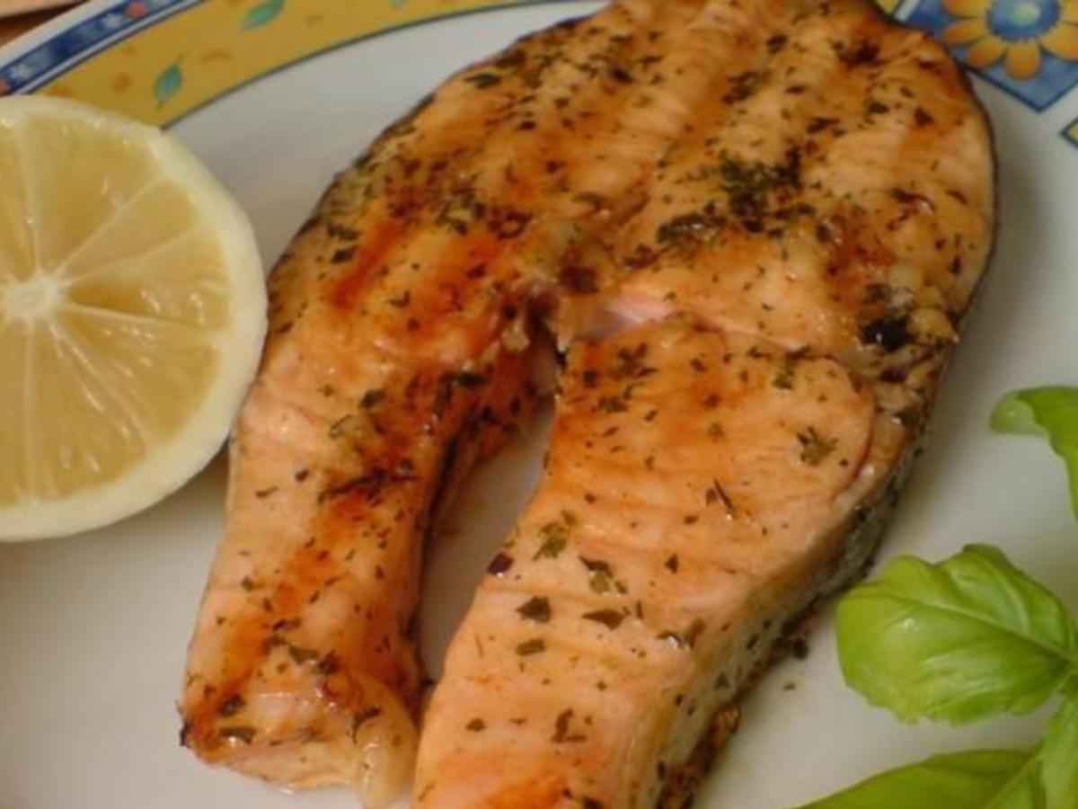 Przepis na łososia z grilla. Zdrowy, pyszny i soczysty