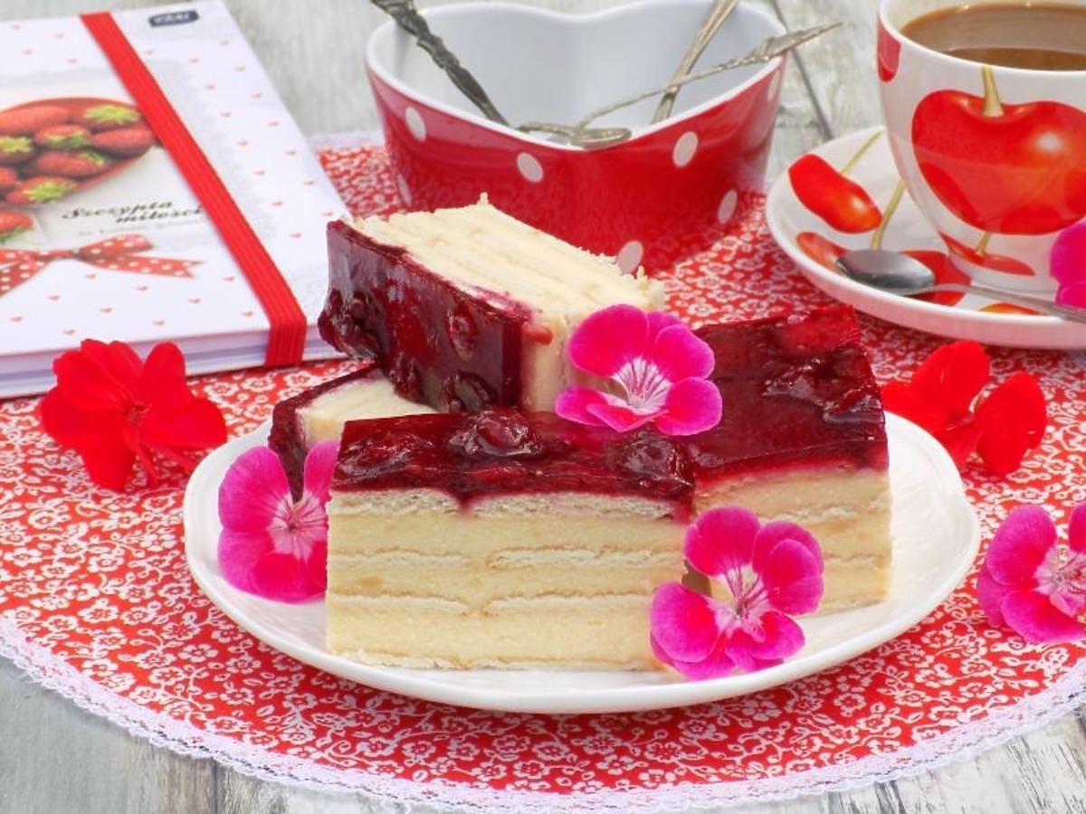 Przepis na sernik gotowany z wiśniami. Genialny deser dla całej rodziny