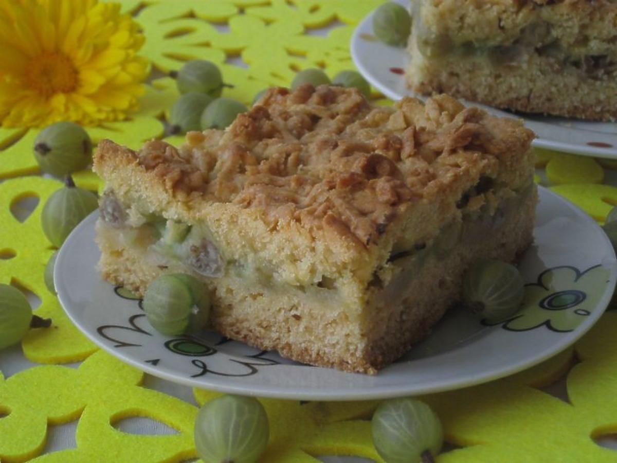 Przepis na szarlotkę z agrestem. Nietypowy i smaczny wariant tradycyjnego ciasta