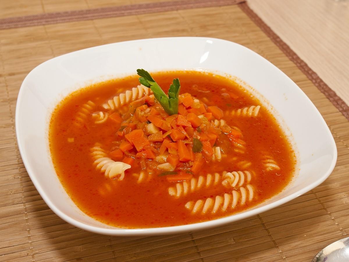 Przepis na zupę pomidorową według Jacka Kuronia