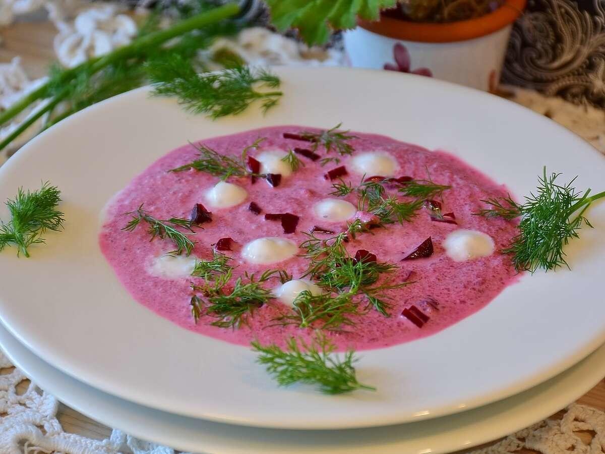 Przepis na zupę z botwiny Jakuba Kuronia. Idealna na wiosenny obiad