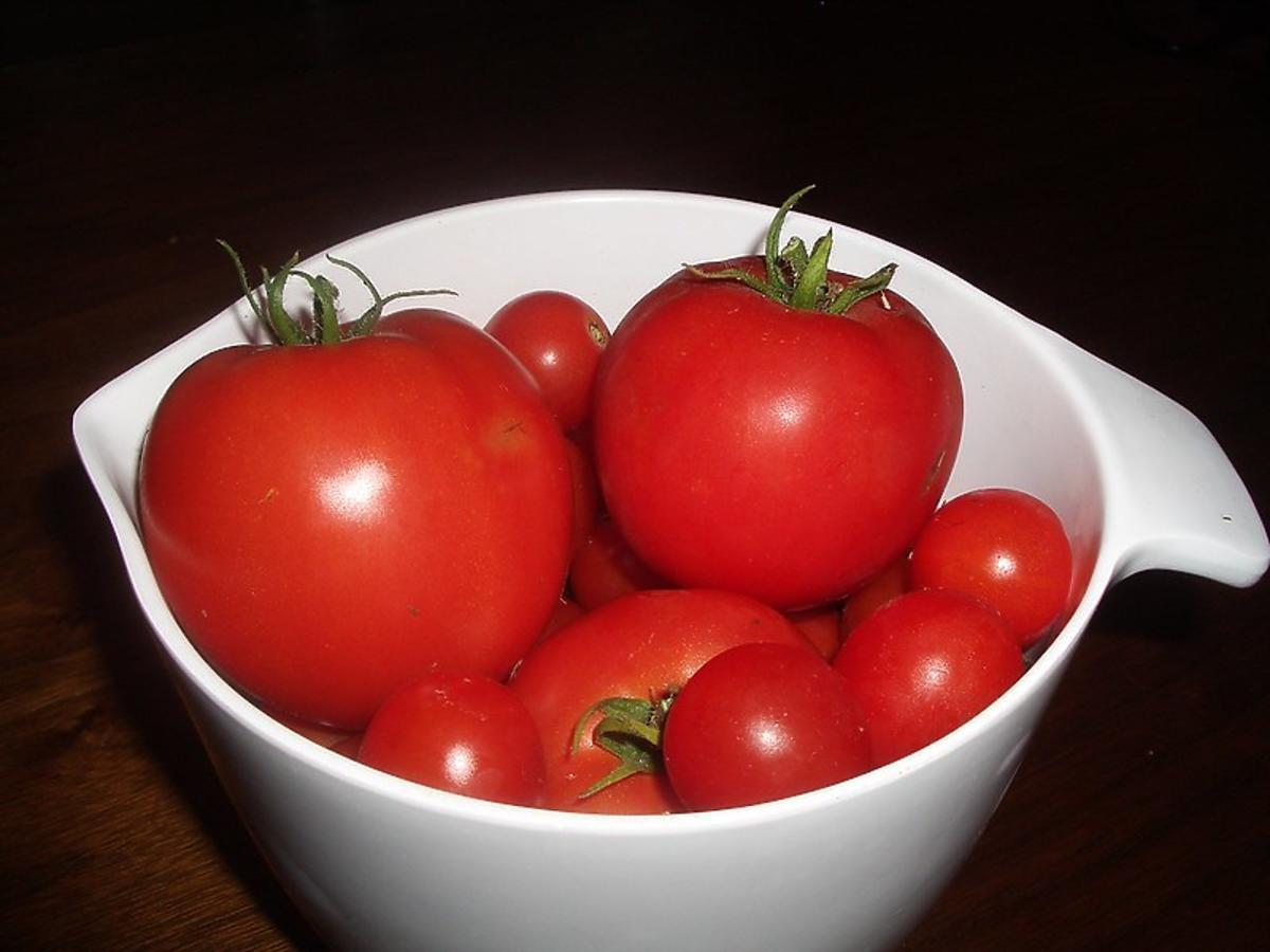 Przez całe życie źle jedliście pomidory. Tylko ten sposób wydobędzie z nich 100% właściwości zdrowotnych
