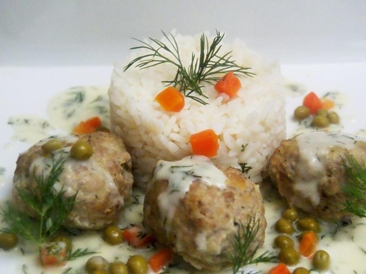 pulpety wieprzowo wolowe w sosie koperkowym