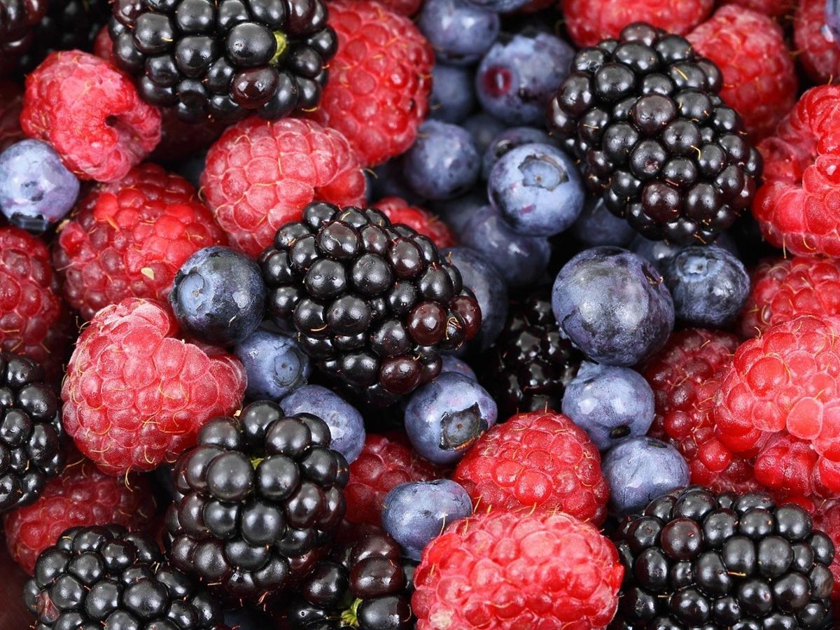 Rozpoczyna się sezon na te zdrowe owoce. Jedźcie je, a poprawicie swoją pamięć i wzrok