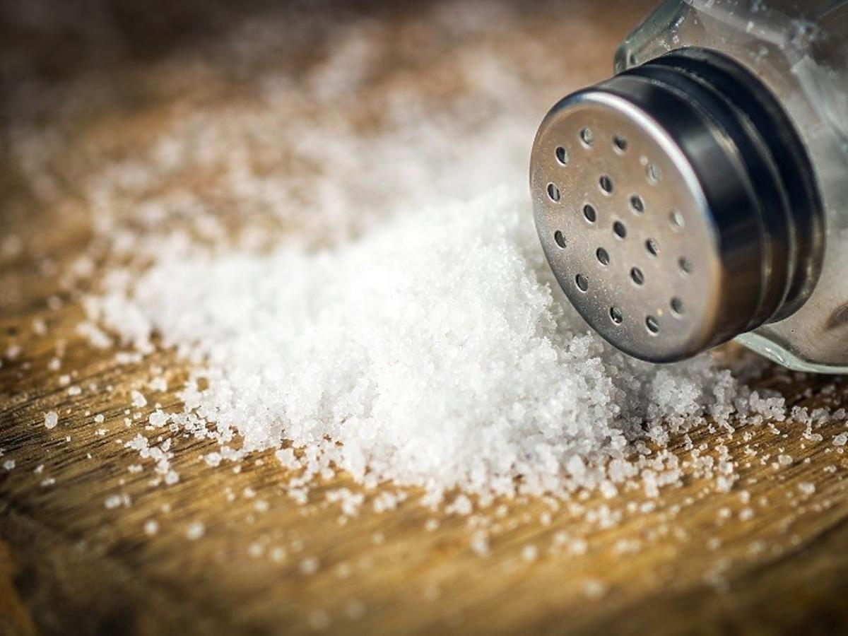 rozsypana sól przesądy
