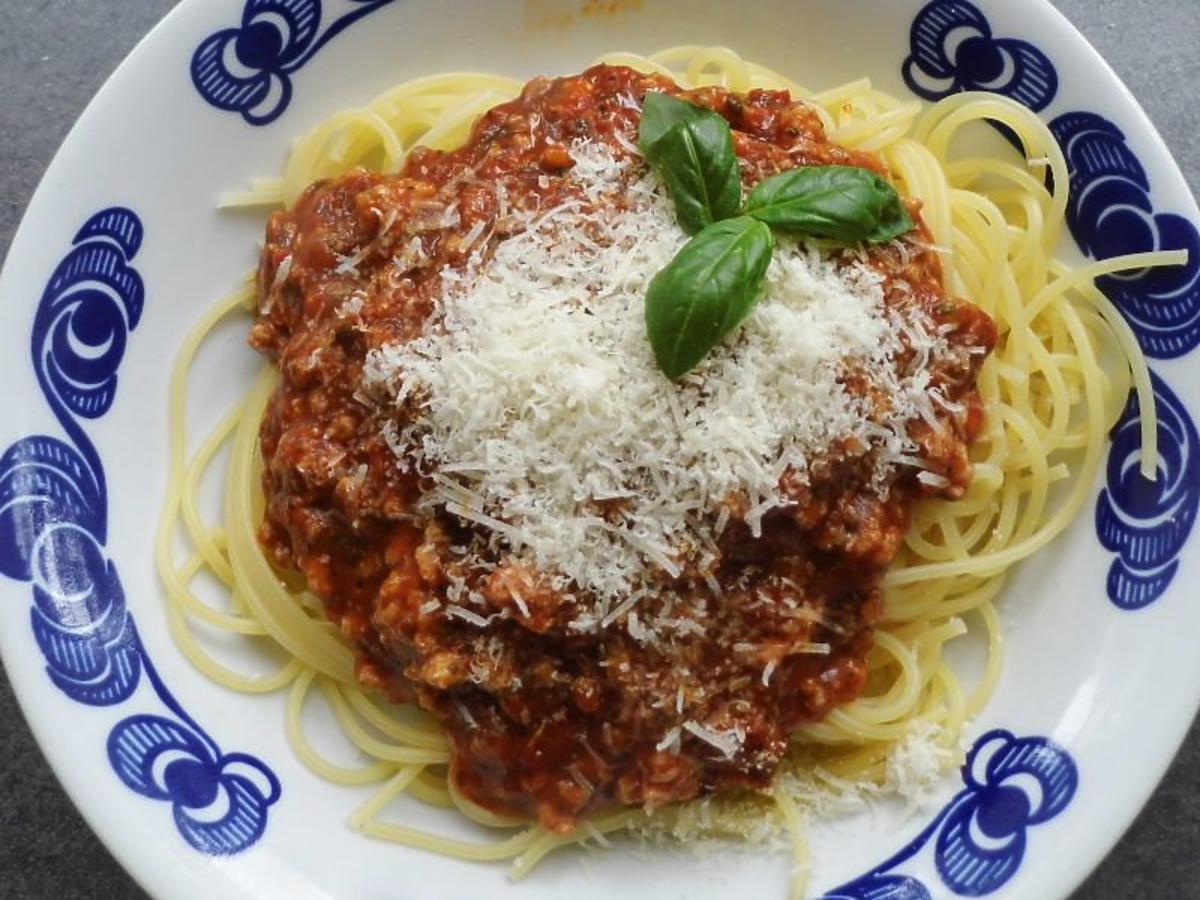 Sos bolognese, spaghetti bolognese, sos boloński