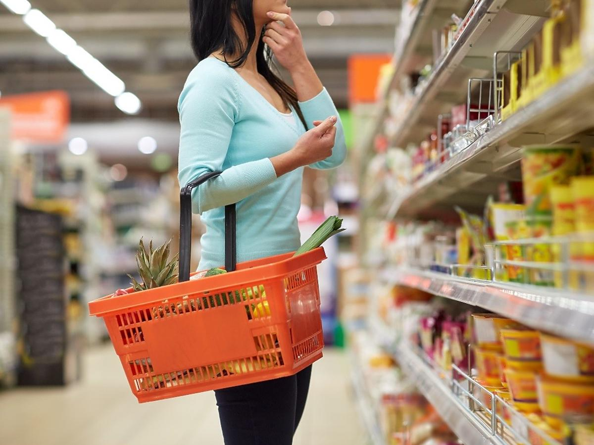 Supermarkety obchodzą zakaz handlu w niedzielę. Poseł PiS zapowiada działania w tej sprawie